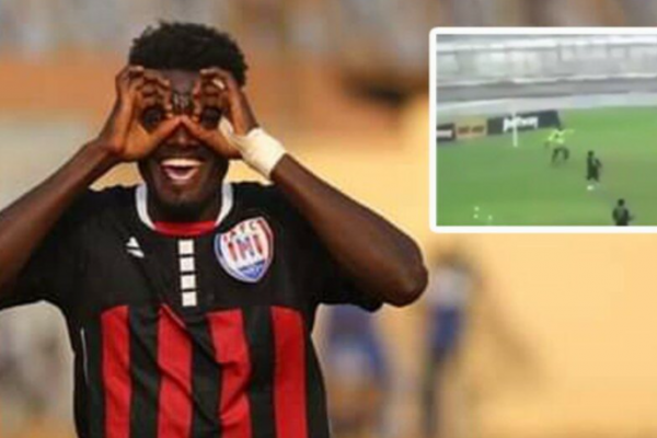 Ghana team defender Deliberately shot an own goal, hoping to stop locking the ball